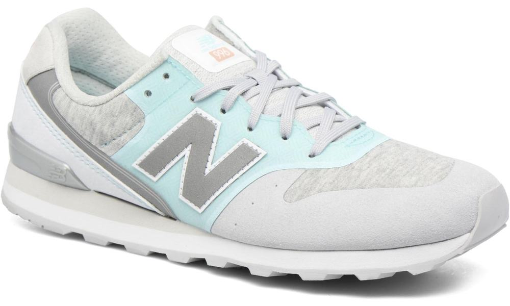 new balance sneaker womens