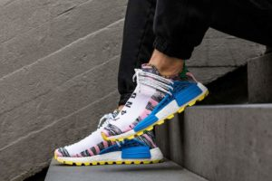 Release: Pharrell Williams Adidas NMD SOLARHU light pink / bright blue