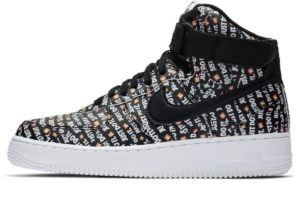 nike-air force 1-dames-zwart-ao5138-001-zwarte-sneakers-dames