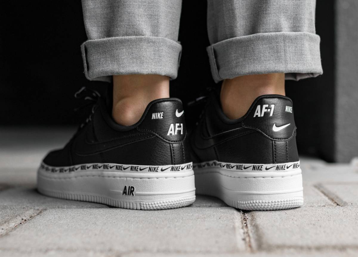 ᐅ • Release Nike Air Force 1 Damen Schwarz Overbranded ...