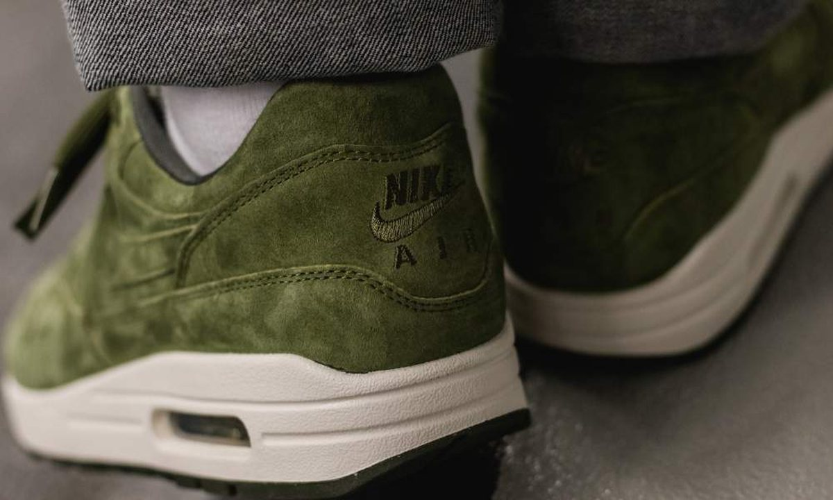 Nike Air Max 1 Premium Olive White 875844 301 Mood 2