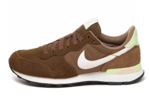 nike-internationalist-dames-bruin-828407 212-bruine-sneakers-dames