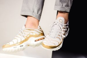 "Release: Nike Air Max Plus Dames Wit Metallic Pack ""White Gold"""