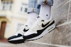 Nike Air Max 1 Dames Beige 319986 106 Beige Sneakers Dames