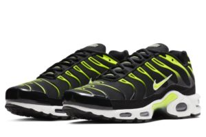 nike-air max plus-heren-zwart-852630-037-zwarte-sneakers-heren