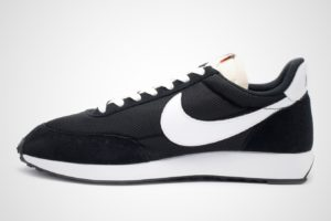 nike-air tailwind-heren-zwart-487754-009-zwarte-sneakers-heren