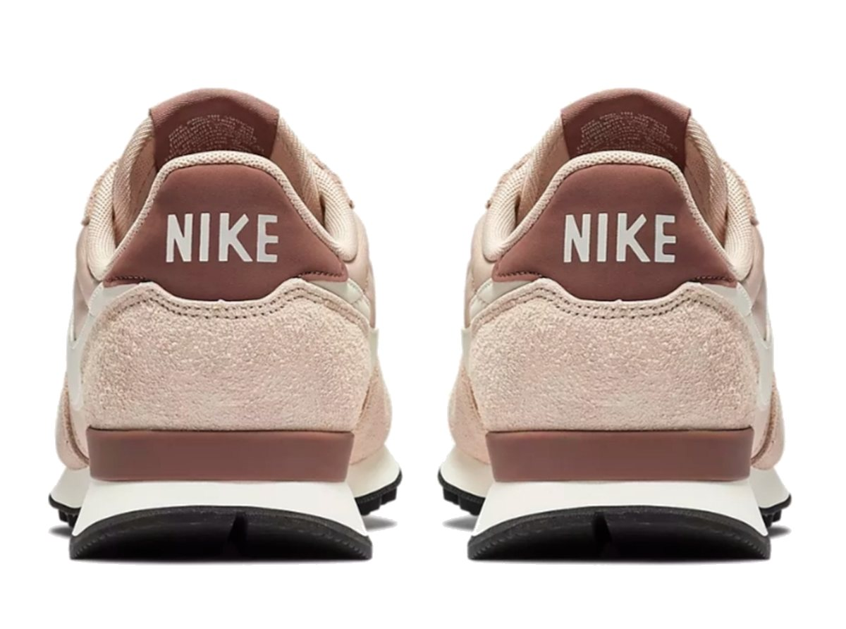 Nike Internationalist Dames Roze 828407 211 2