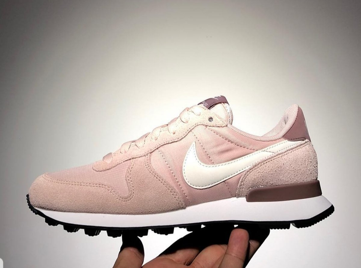 Nike Internationalist Dames Roze 828407 211 8