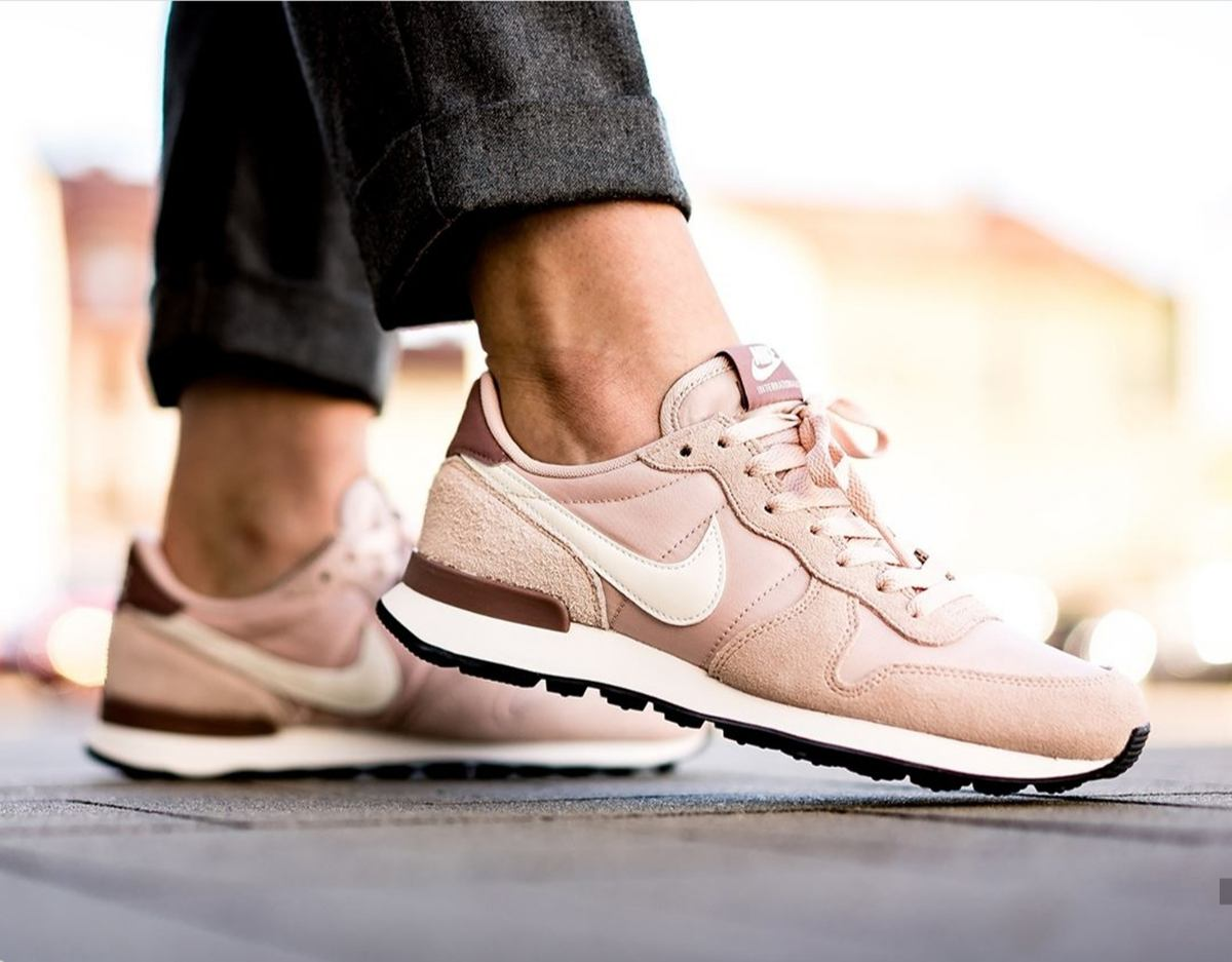 Nike Internationalist Dames Roze 828407 211 9