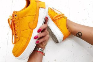 Top 10 oranje sneakers dames · Juni 2019