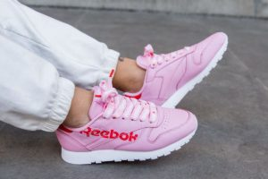 Top 10 roze sneakers dames · Juni 2019