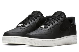 nike-air force 1-dames-zwart-ao2132-004-zwarte-sneakers-dames