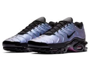nike-air max plus-heren-zwart-aj2013-006-zwarte-sneakers-heren