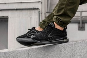 Top 10 zwarte sneakers heren All Black · Juli [year]
