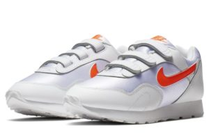 nike-outburst-dames-wit-at5667-101-witte-sneakers-dames
