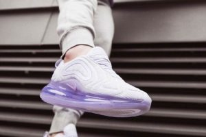 Review + Release: Nike Air Max 720 Dames Zilver