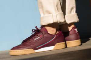 Top 10 bordeaux rode sneakers heren · Juni 2019