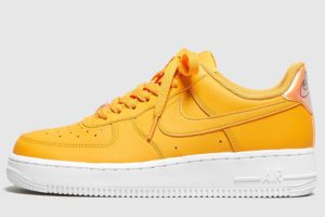nike-air force 1-dames-oranje-ao2132-801-oranje-sneakers-dames