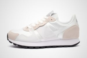 nike-v-love o.x.-dames-wit-ar4269-102-witte-sneakers-dames