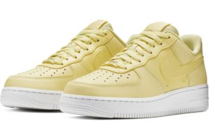 nike-air force 1-dames-geel-ao2132-701-gele-sneakers-dames