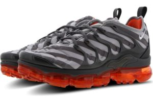 nike-air vapormax plus-heren-grijs-924453-020-grijze-sneakers-heren