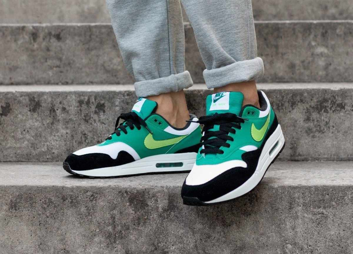 Kaufen Nike Air Max 1 White Green Strike Falls Neptune Green Black Promotions Wo Zu Finden Fördern Ghd635yq7 1698