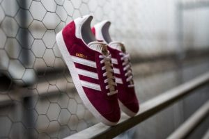 Top 10 Bordeaux Rode Sneakers Dames · [year]