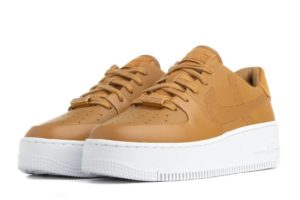 nike-air force 1-dames-bruin-bv1976-700 v-bruine-sneakers-dames