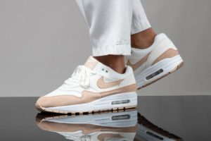 Nike Air Max 1 Dames Wit 319986 120 Witte Sneakers Dames