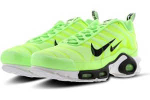 nike-air max plus-heren-geel-815994-300-gele-sneakers-heren