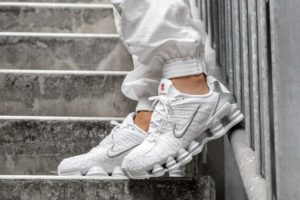 Top 10 Witte Sneakers Heren · Oktober [year]