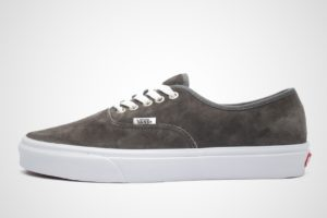 vans-authentic-heren-zwart-vn0a2z5itil1-zwarte-sneakers-heren