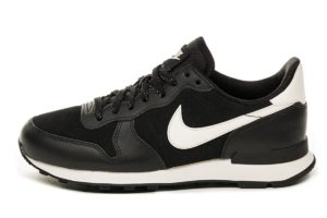 nike-internationalist-dames-zwart-872922 006-zwarte-sneakers-dames