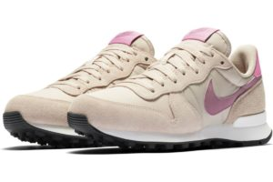 nike-internationalist-dames-beige-828407-214-beige-sneakers-dames
