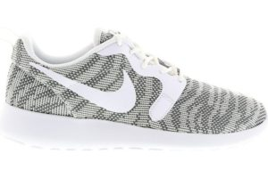 nike-roshe run-dames-wit-705217-003-witte-sneakers-dames