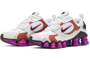 nike-shox-dames-wit-at8046-100-witte-sneakers-dames