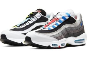 nike-air max 95-heren-zwart-cj0589-001-zwarte-sneakers-heren