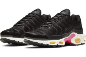 nike-air max plus-dames-zwart-dc4465-001-zwarte-sneakers-dames